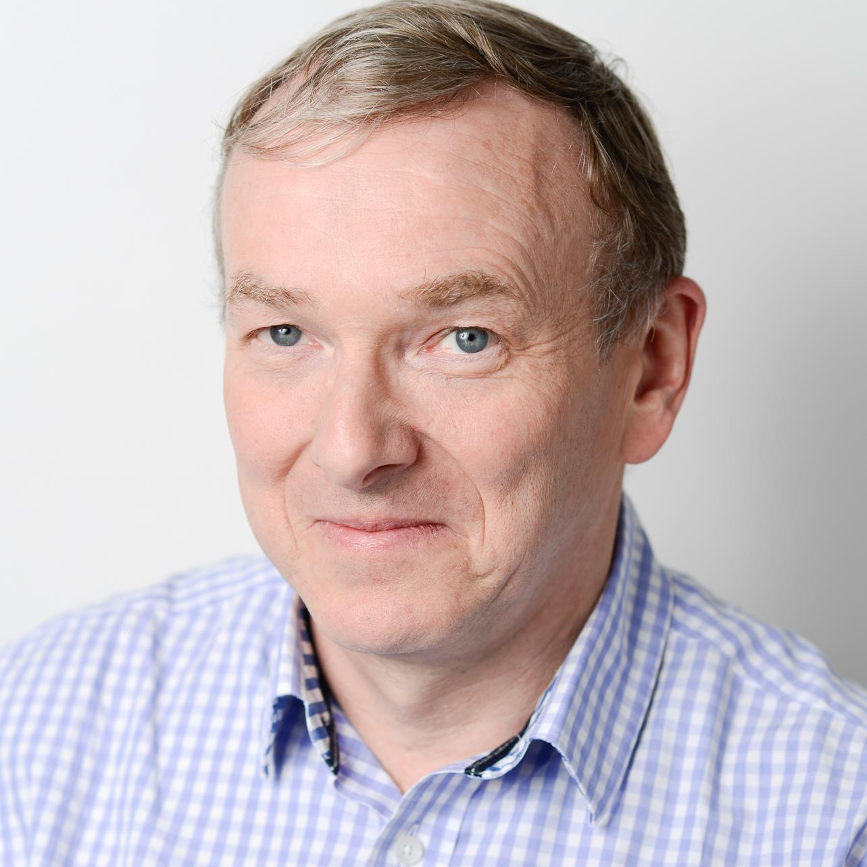 Iain Hunneybell - headshot.jpg