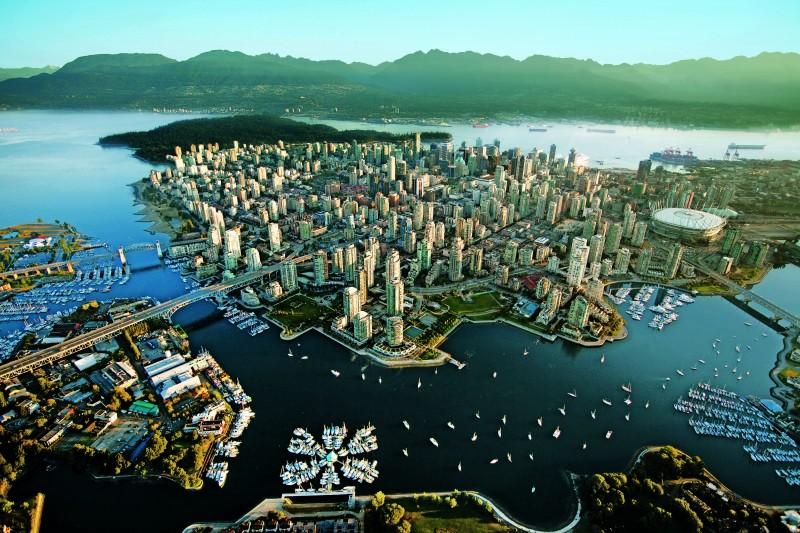 Aerial-Tourism-Vancouver-Albert-Normandin1-e146301