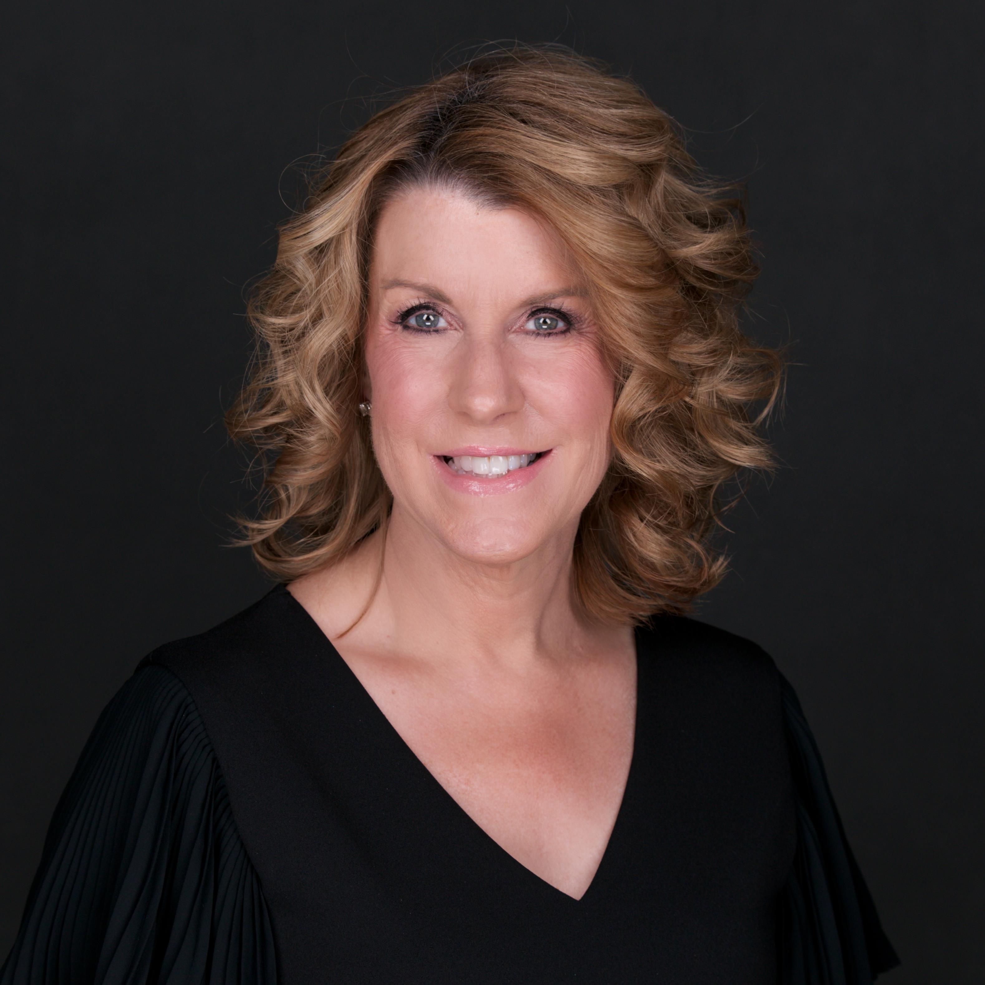 Wendy Wright Headshot 2020.jpg