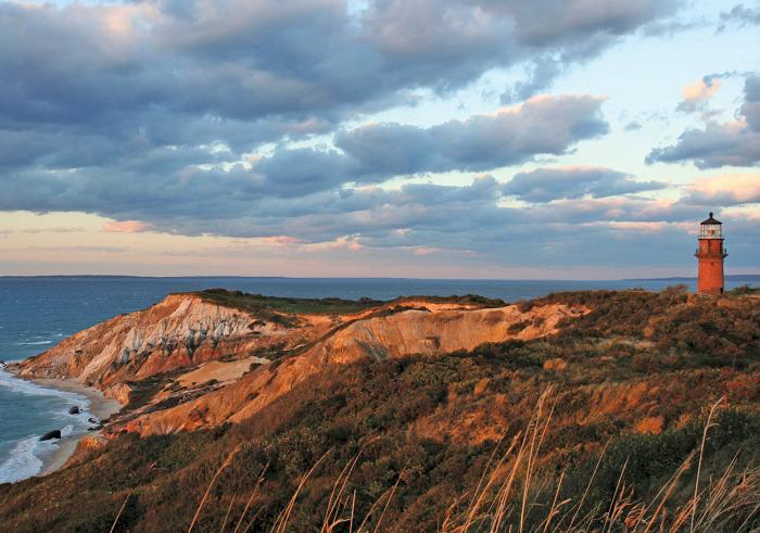 700-Gays-Head-Lighthouse-Marthas-Vineyard