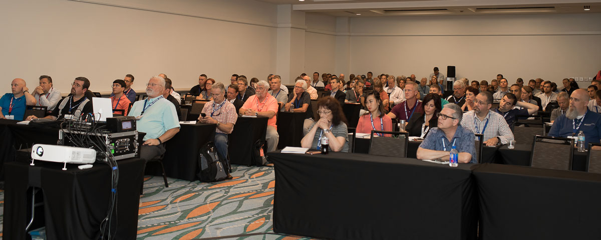 attendees at MaximoWorld session