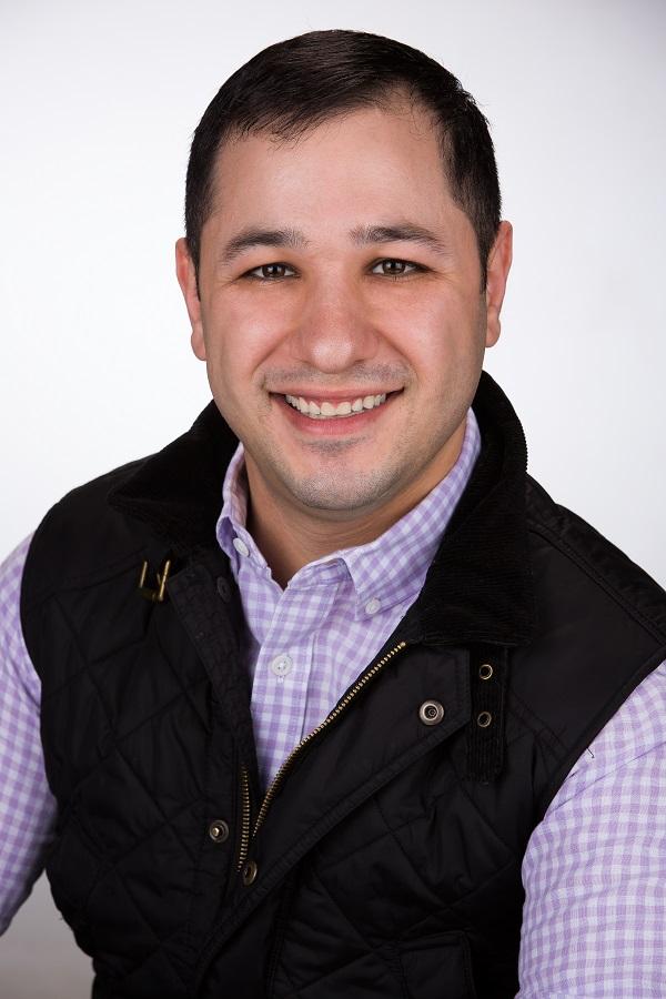 Aram Torosian headshot (small).jpg