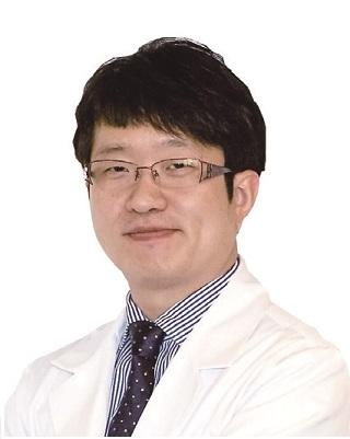 Dr. CH Han.jpg