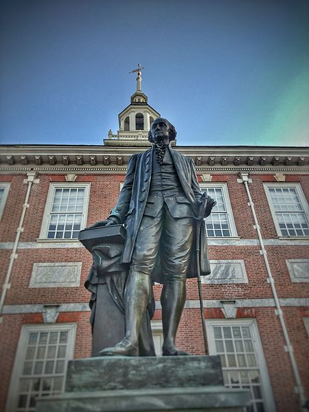 Statue_Outside_Of_Independence_Hall