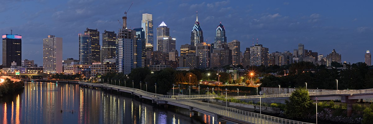 1200px-Philadelphia_from_South_Street_Bridge_July_2016_panorama_3b