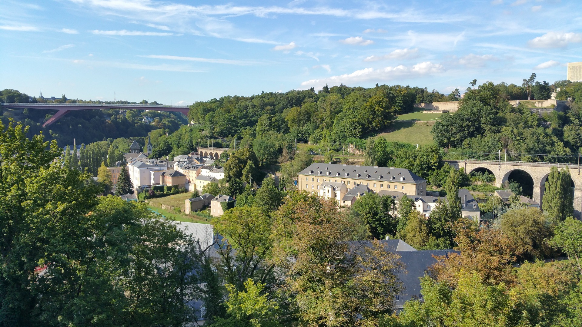 luxembourg-1164657_1920