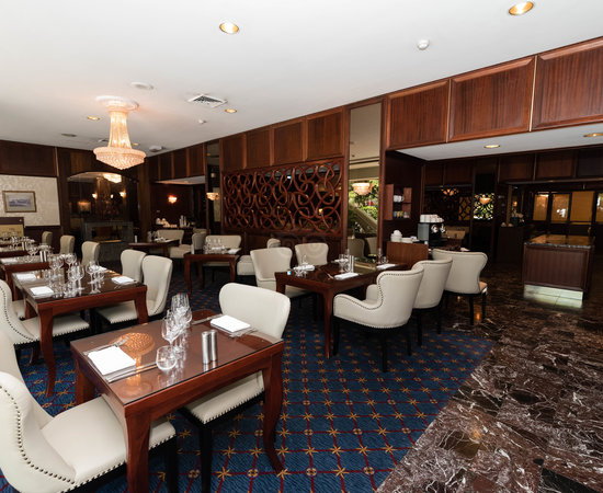 the-walnut-restaurant-and-lounge-