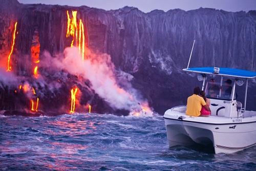 boat lava tour