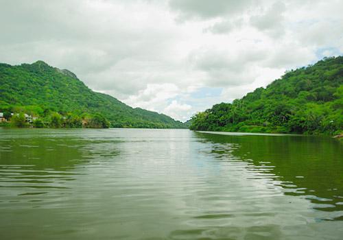 Lake Lago Dos Bocas, Utuado