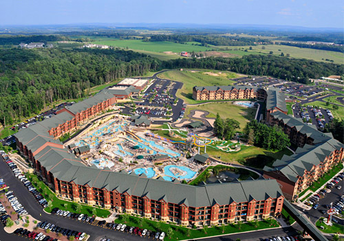 Glacier Canyon Lodge and Waterpark