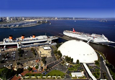Queen Mary & Carnival Cruise Lines