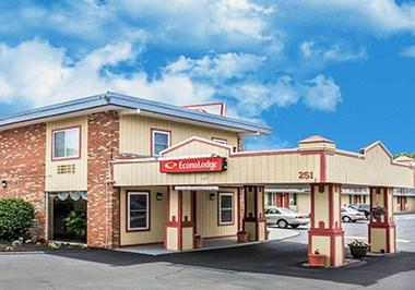 Econo Lodge - Mystic