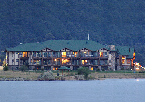 Lake Shore Lodge