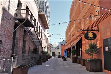 Downtown Pasadena Alleyway