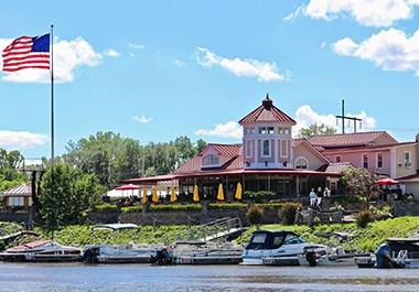The Watersedge Lighthouse Restaurant