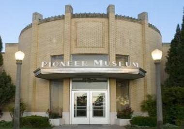 Plains Indians & Pioneers Museum