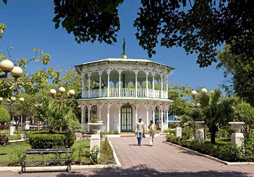 Glorieta at Parque Central