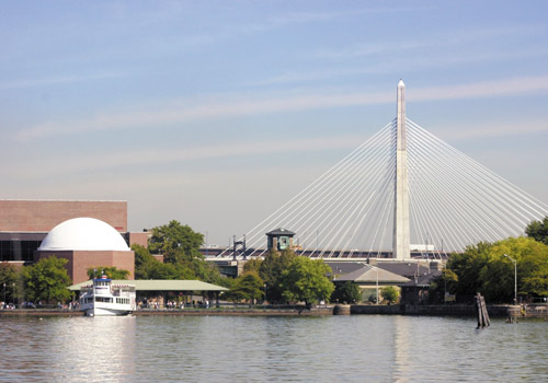 Museum of Science and Zakim Bunker Hill Bridge