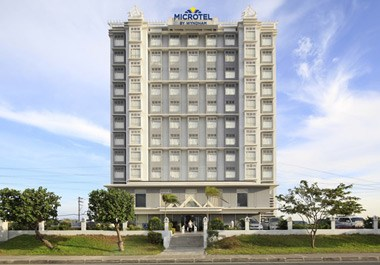 Microtel by Wyndham Manila - Mall of Asia