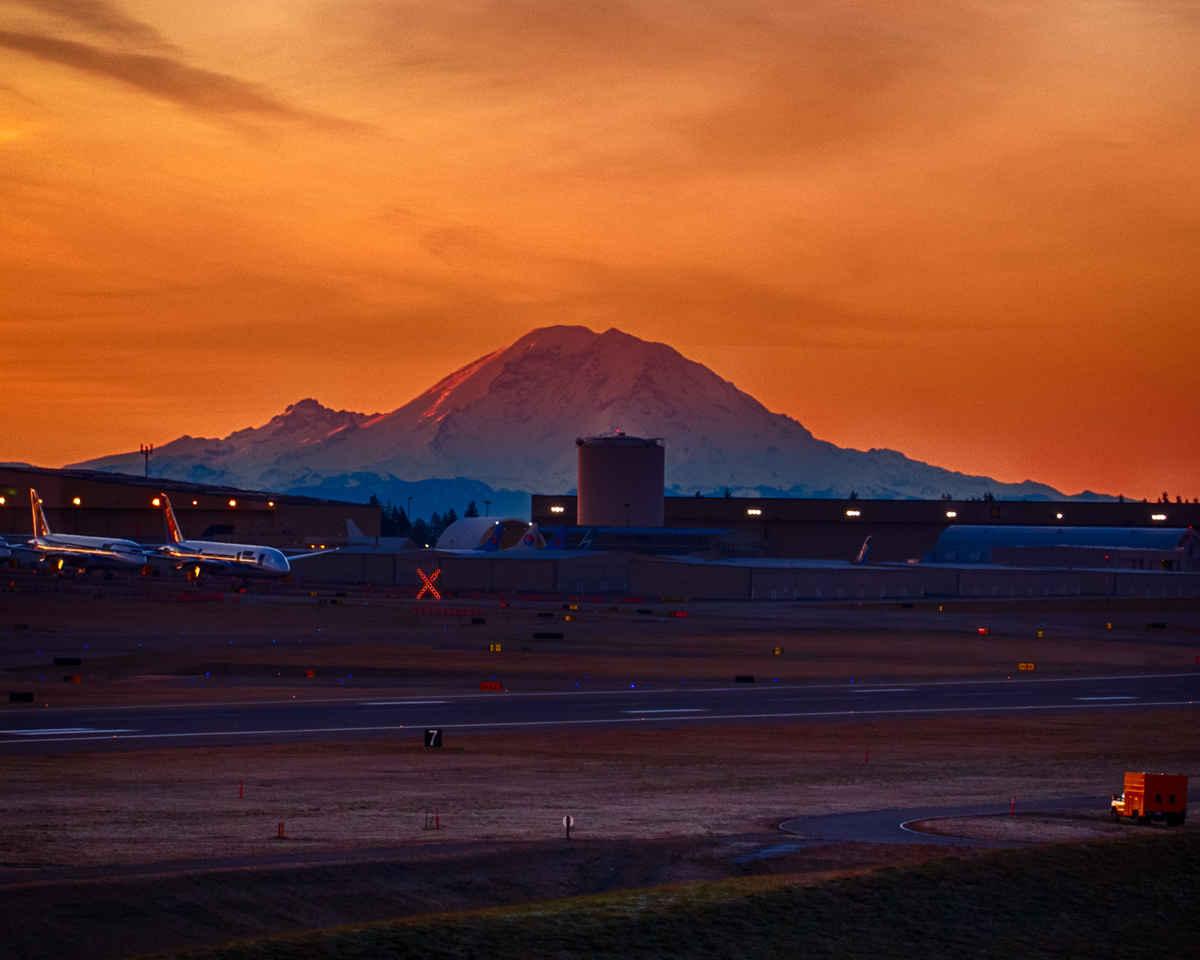 Mount Rainier from Strato Deck Joe Kunzler