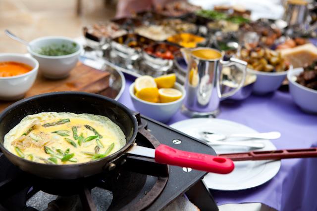 4635121-breakfast-omelet-station