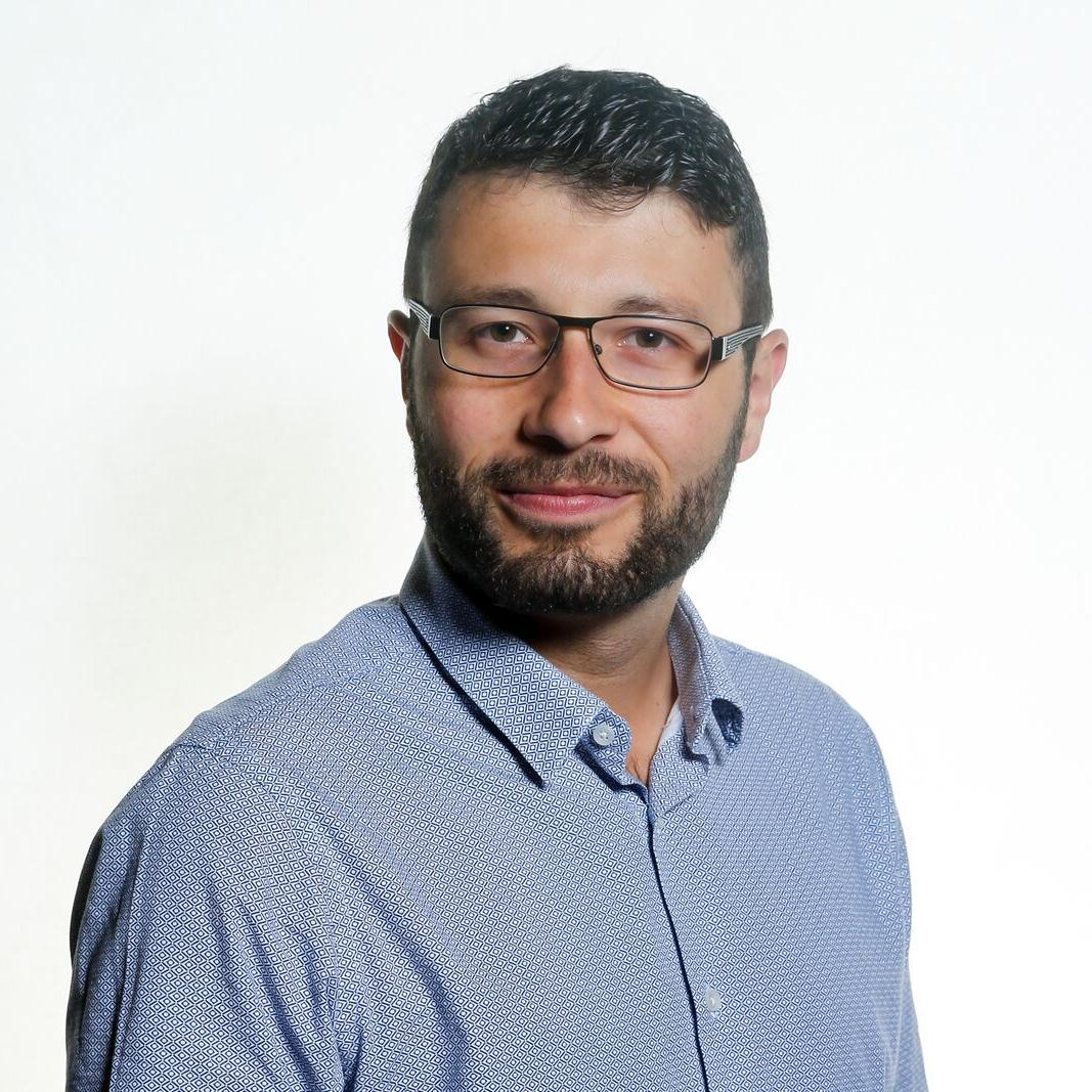 MiguelNeves_Headshot.jpg