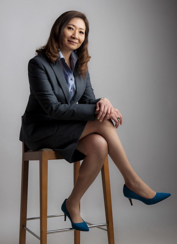 Lyn R Lee