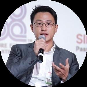 Adrian Ng (round)