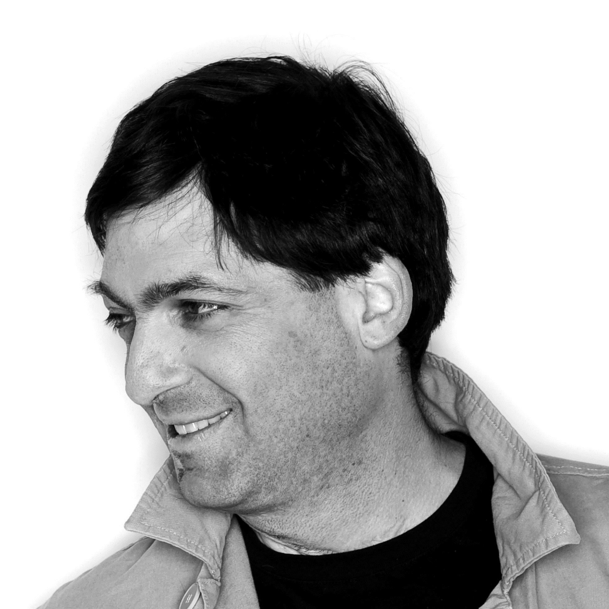 Ariely-Dan-PHOTO-B&W.jpg
