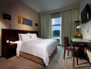 Eastin hotel room