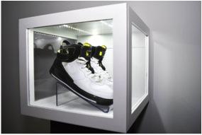 Shoes Showcase Example