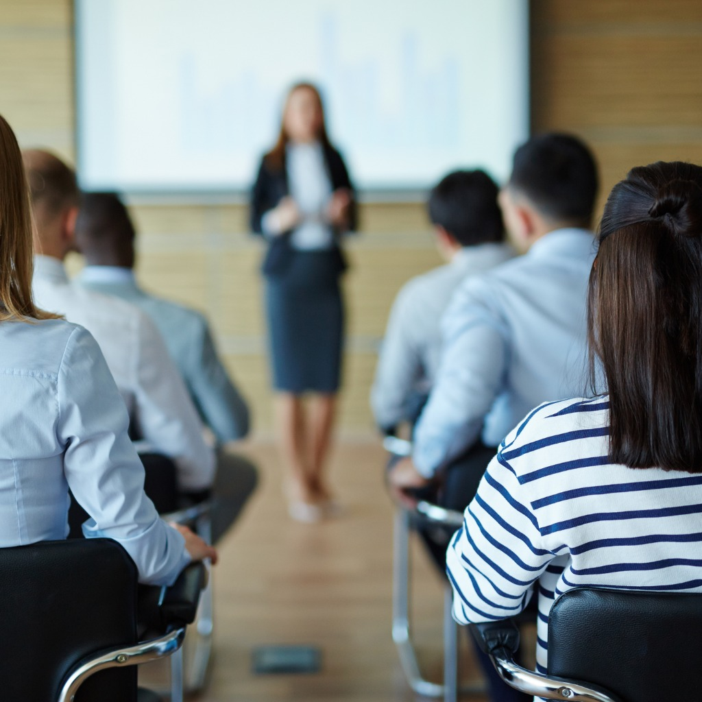 lecture-for-business-people-picture-id603992048