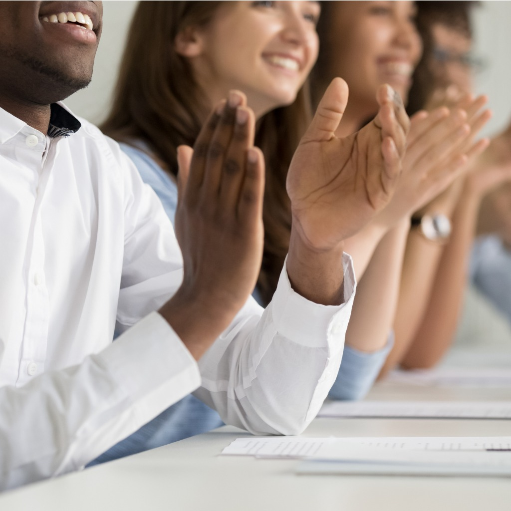 Training_Group_Clapping