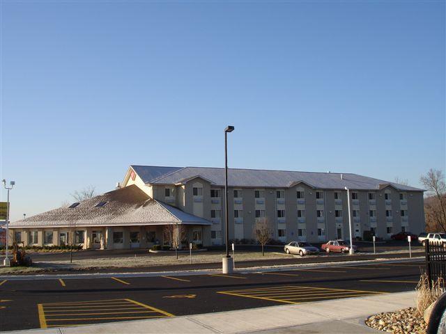 AmeriStay Inn & Suites Batavia