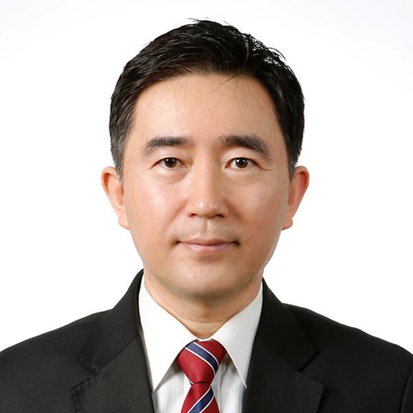 Seong Cho picture.jpg