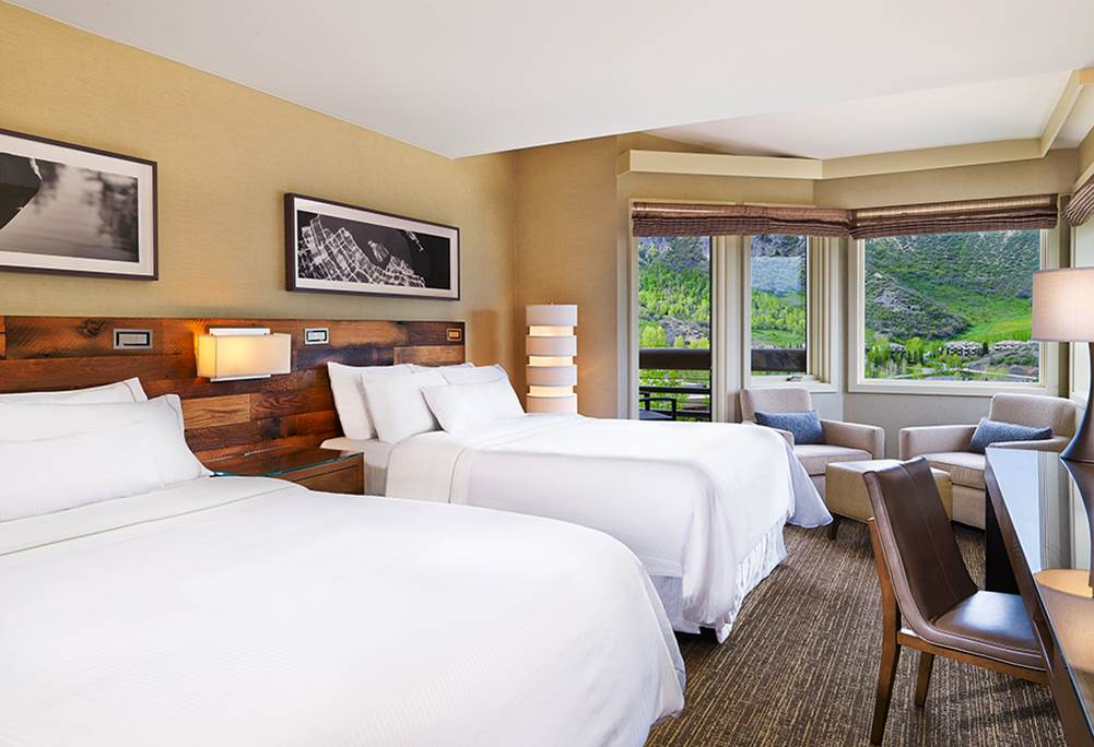 Queen-Queen Hotel Room