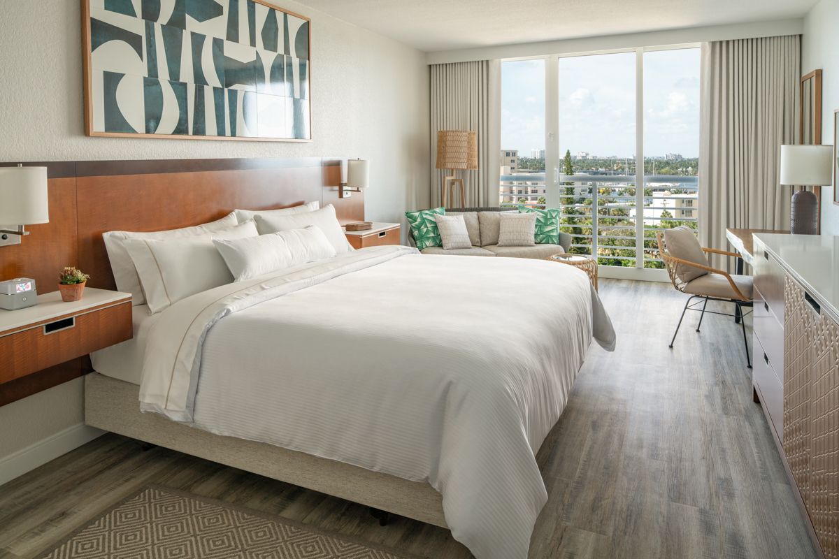 455 - Westin Guest Room Intracostal View