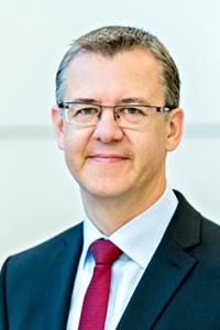 DIN_Christoph-Winterhalter-CEO-200x300
