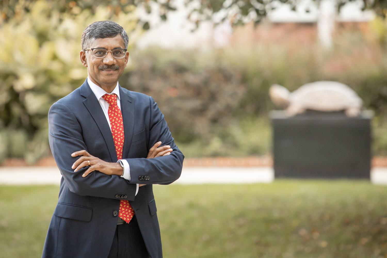 Prabhudev Konana photo outside of Van Munching Hall on campus