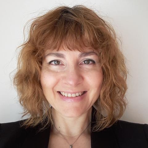 Cristina Carillo LinkedIn_Web.png