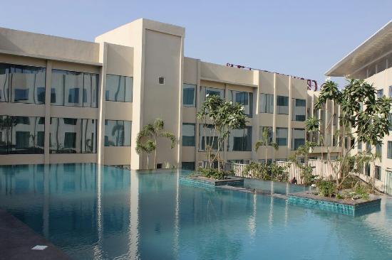 Crowne Plaza Jaipur 4
