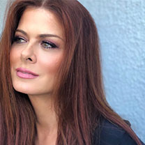 Debra Messing (TSOA '93)