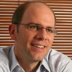 Alejandro Santos.jpg
