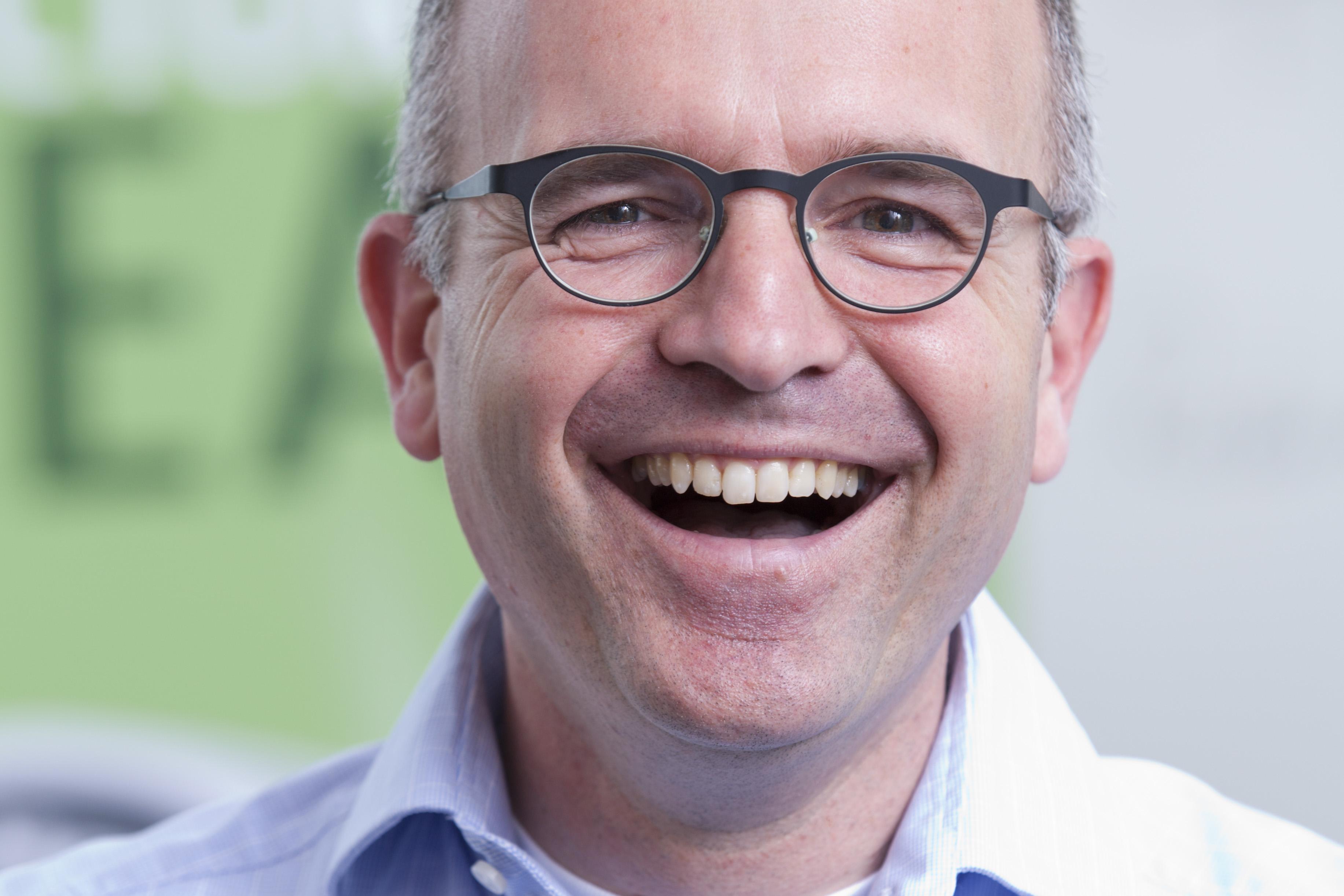 Professor Vincent Wiegel.jpg