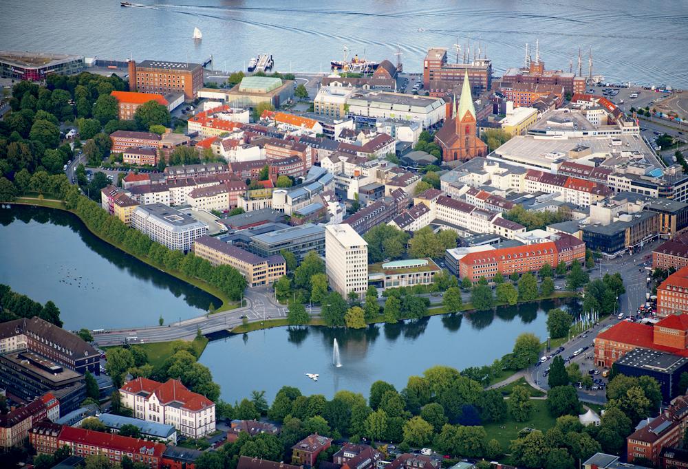 Overblikk  av byen Kiel