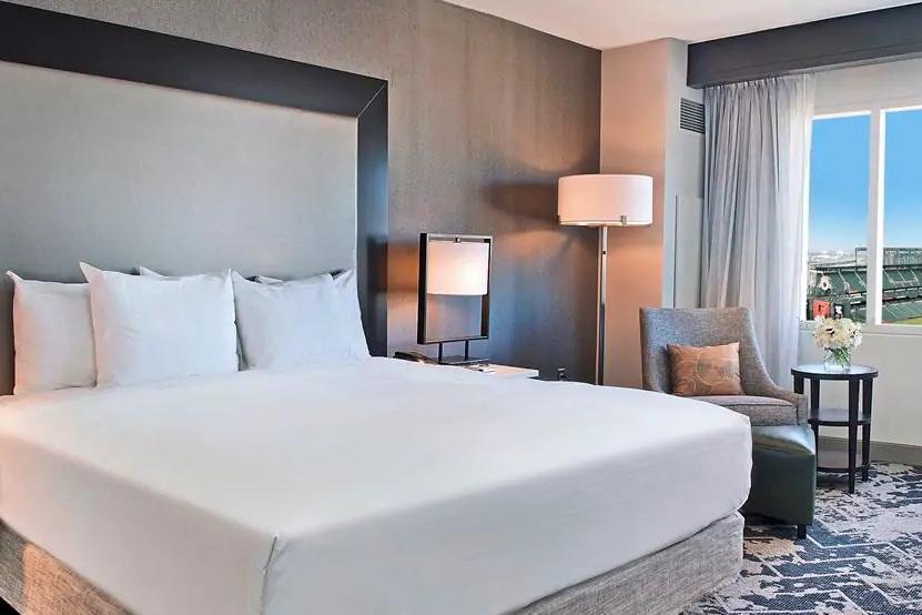 Hilton Baltimore Inner Harbor - Room