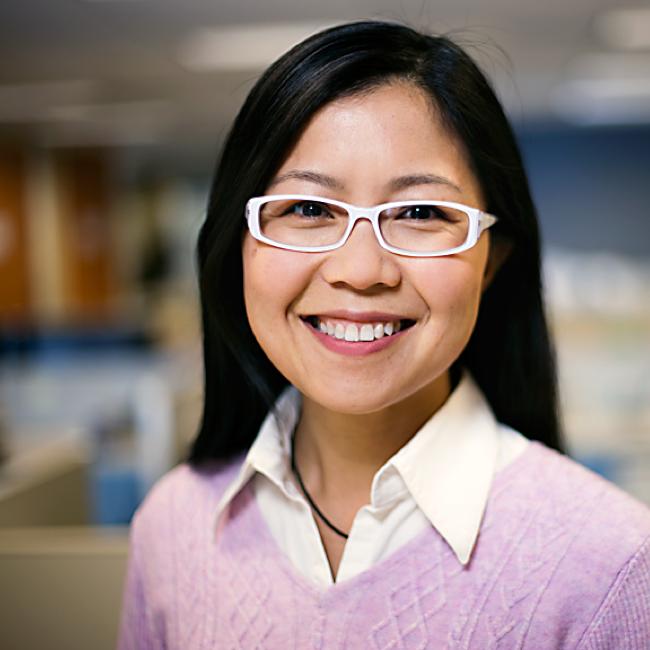 Elaine Zhou Headshot.png