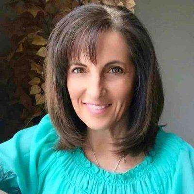 Marie Davis headshot
