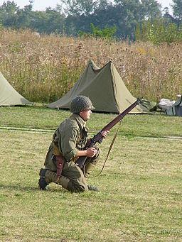 Allied_soldier_World_War_II