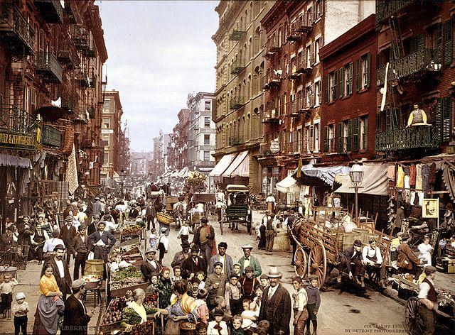 640px-Mulberry_Street_NYC_c1900_LOC_3g04637u